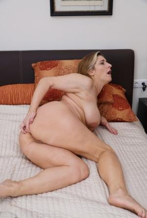 Ebony Saggy Tits Porn