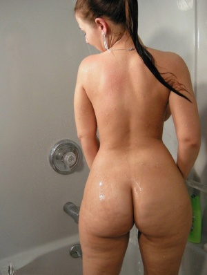 Ebony In Shower Porn