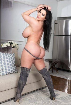 Ebony In Boots Porn