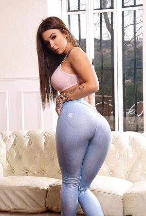 Ebony In Jeans Porn