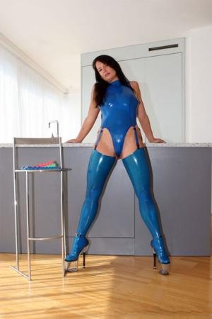 Ebony Latex Porn