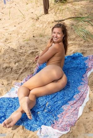 Ebony On Beach Porn