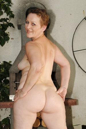 Ebony Mature Porn